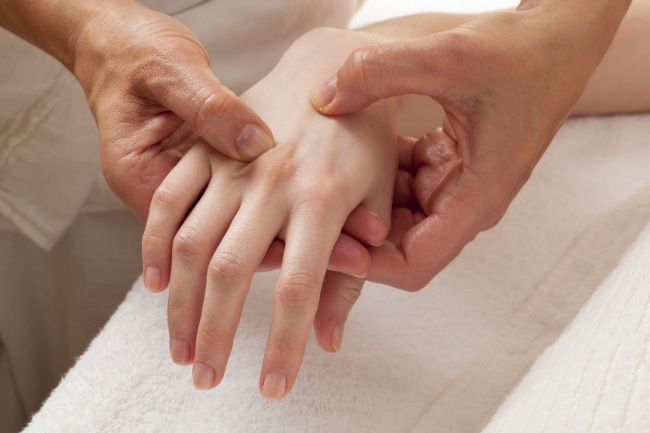 reflexology on hands for relaxation